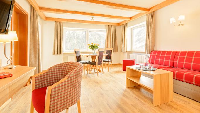 Die Comfortzimmer des Familienhotels in Österreich bieten genügend Platz für die ganze Familie