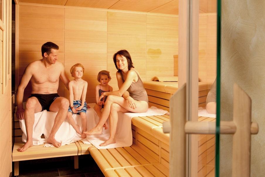 Im Kleinwalsertaler Rosenhof bieten wir Euch eine Familiensauna